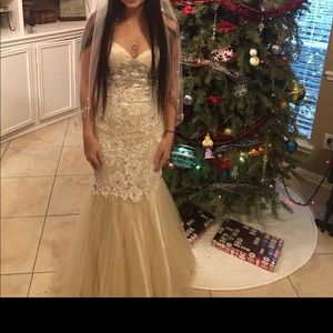 Gorgeous javoni wedding/prom dress
